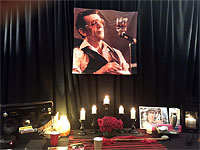 Keith's shrine: Jerry Lee Lewis - the Master of Equilibrium! San Diego, May 24, 2015