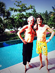 Ronnie Wood + Keith Richards relaxing somwhere in the sun - preparing for the new shows and tour! Nov. 20, 2013