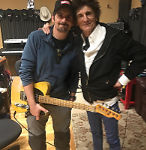 Ronnie meets Brad Paisley, Nashville, April 4, 2018