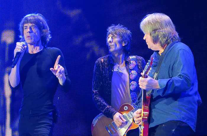 FINALLY: The Stones playing with Mick Taylor again!