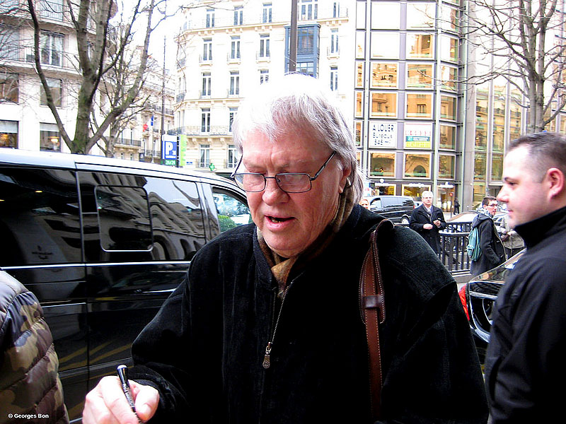 Bobby Keys leaving the hotel for rehearsals and signing for fans in Paris, February 12, 2014