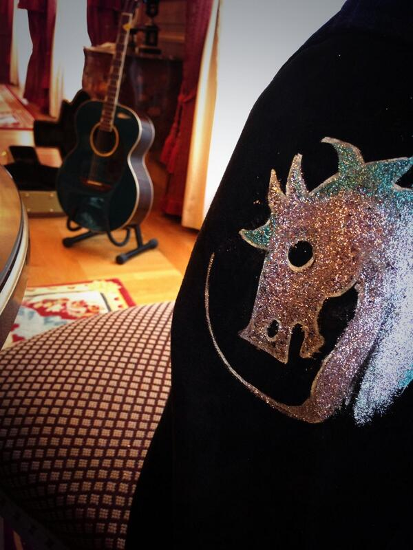 Ronnie: Painting horses on some of my jackets for #stonesonfire tour today