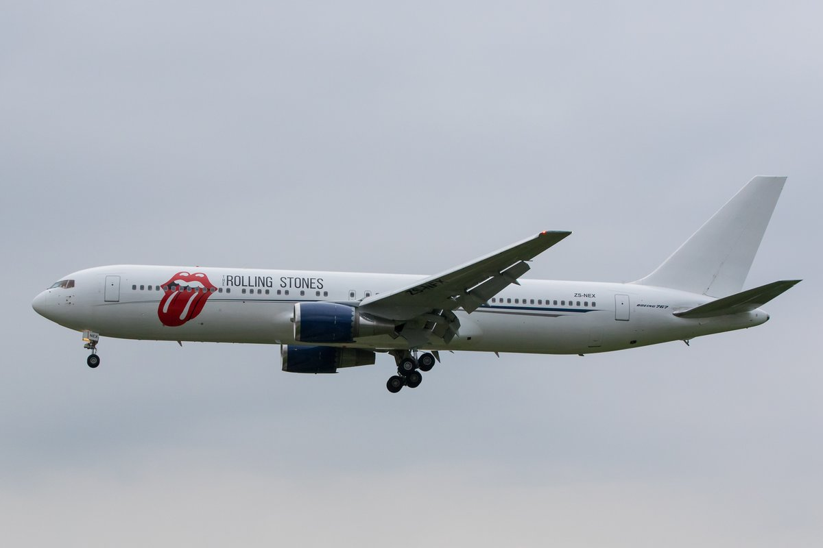 The Stones jet landing in Hamburg airport - Foto: Tobias Lietzke