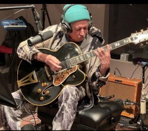 Keith playing a 1957 Gibson s400 CES